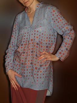 Работа с названием То ли блузка, то ли туника