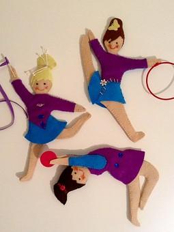 Работа с названием Сувенирные куколки