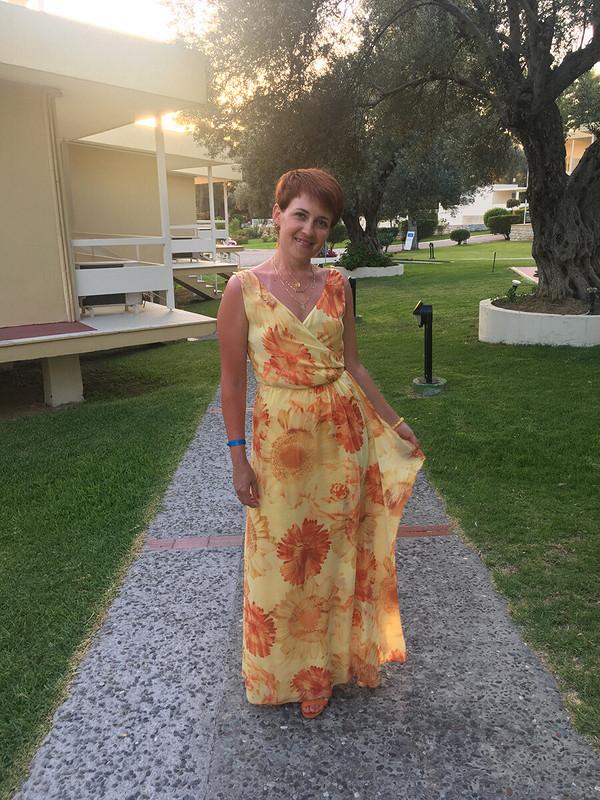 Платье сзапахом, модель 190 изBurda 7/2012