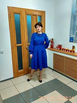Работа с названием Платье, цвета синий королевский