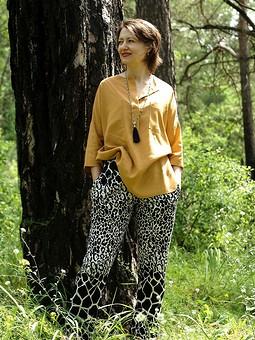 Работа с названием Блуза oversize и пижамные брюки