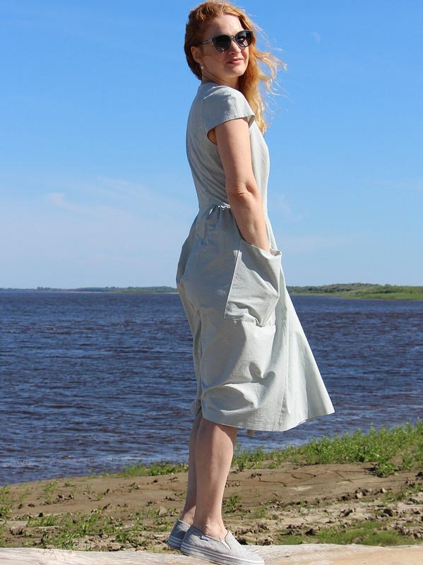 Платье вполоску