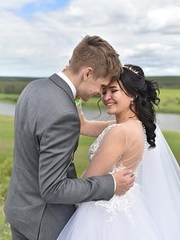 Работа с названием Платье невесты
