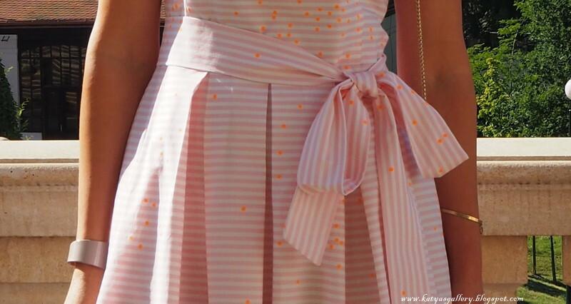 Розовая полоска, неоновый горошек
