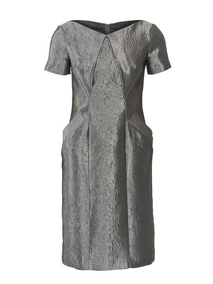 Как сшить платье сфигурными линиями кроя