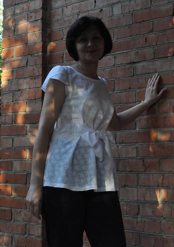 Топ приталенного-расклешенного силуэта от Галина