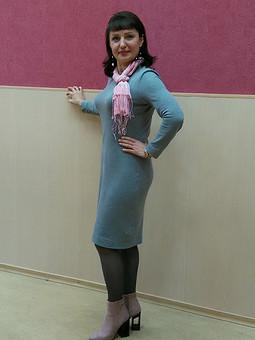 Работа с названием Базовое платье