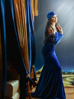 Работа с названием Синее бархатное платье русалка!