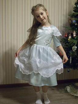 Работа с названием Платье Снежинки
