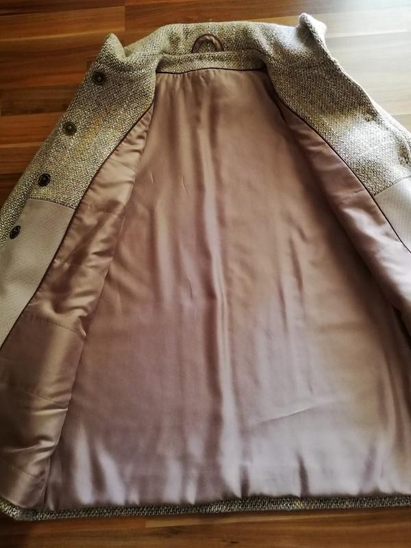 Пальто легко просто от andritsa