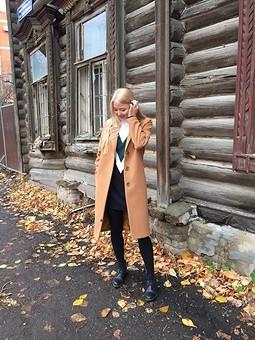 Работа с названием Пальто для старшенькой