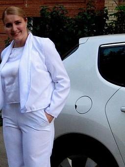 Работа с названием Белый костюм из