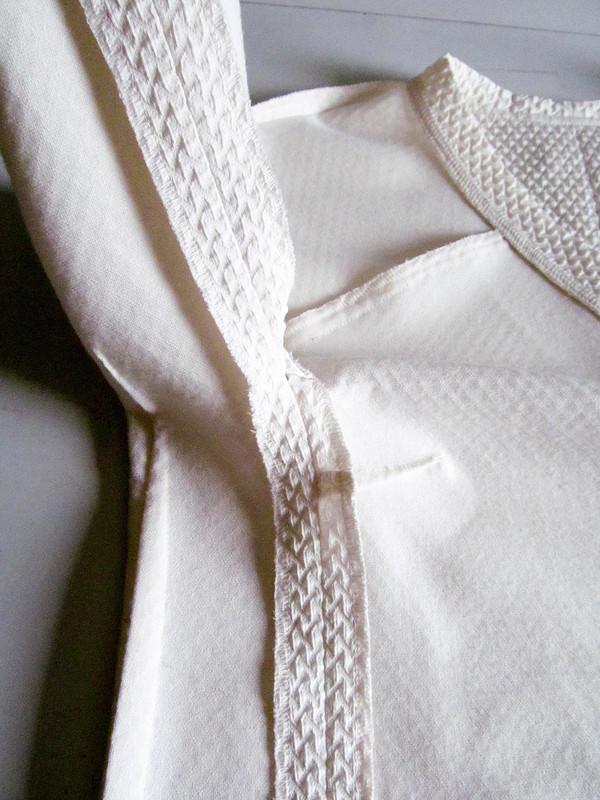 Белая туника незаменима