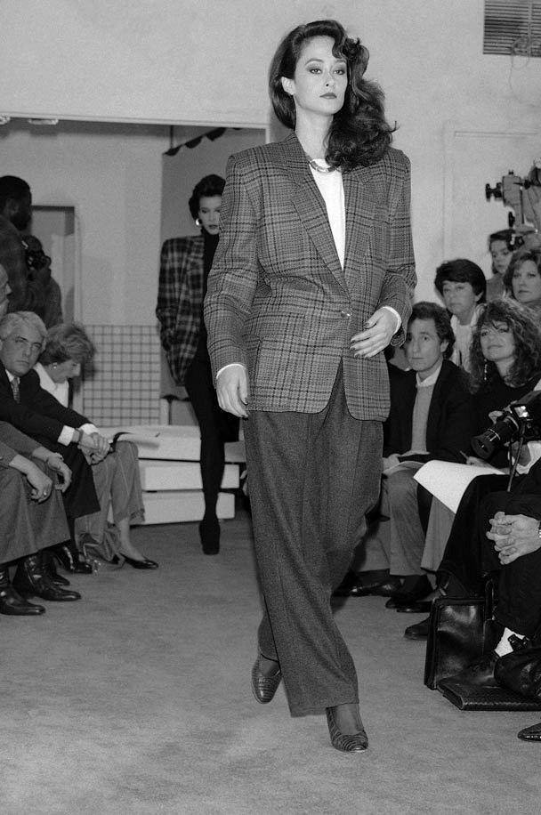 Теория «Семи простых вещей» Донны Каран: история исовременность