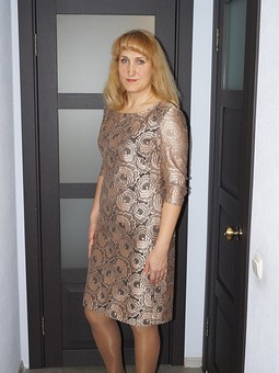 Работа с названием Платье из гипюра