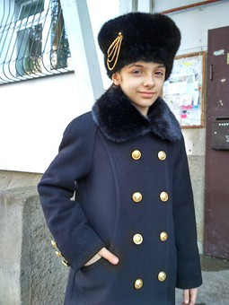 Работа с названием Пальто для девочки.