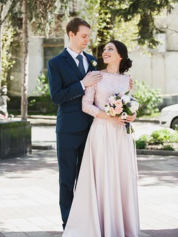 Работа с названием Свадебный проект: платье, халатик и мужской костюм
