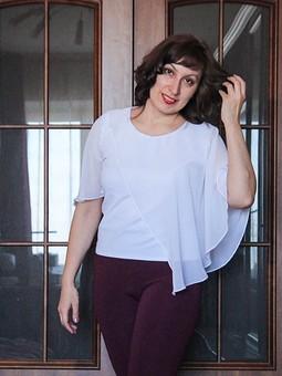 Работа с названием Белая блузка. Burda. Мода для полных 1/2018