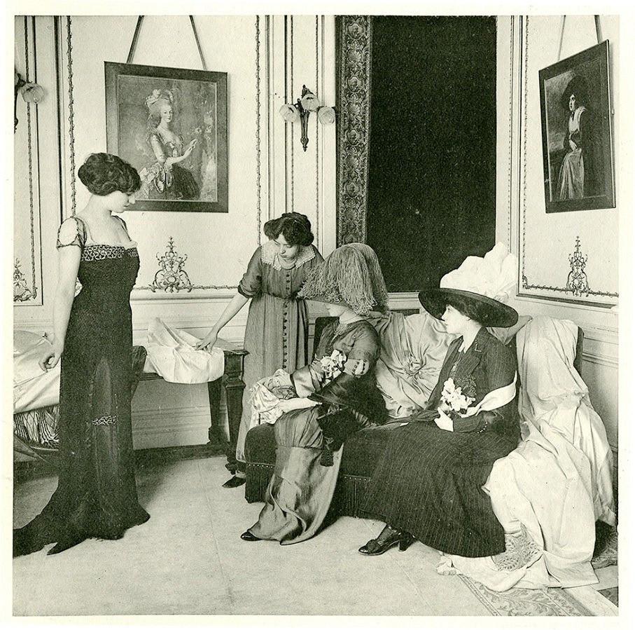 История дефиле иНедель моды