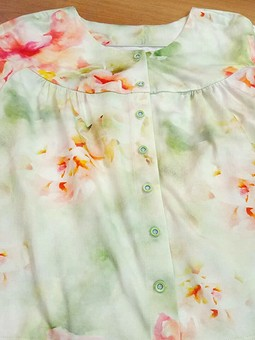Работа с названием Блуза из хлопкового трикотажа