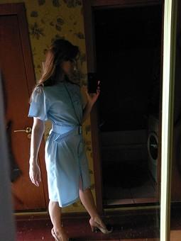 Работа с названием Голубое платье-рубашка