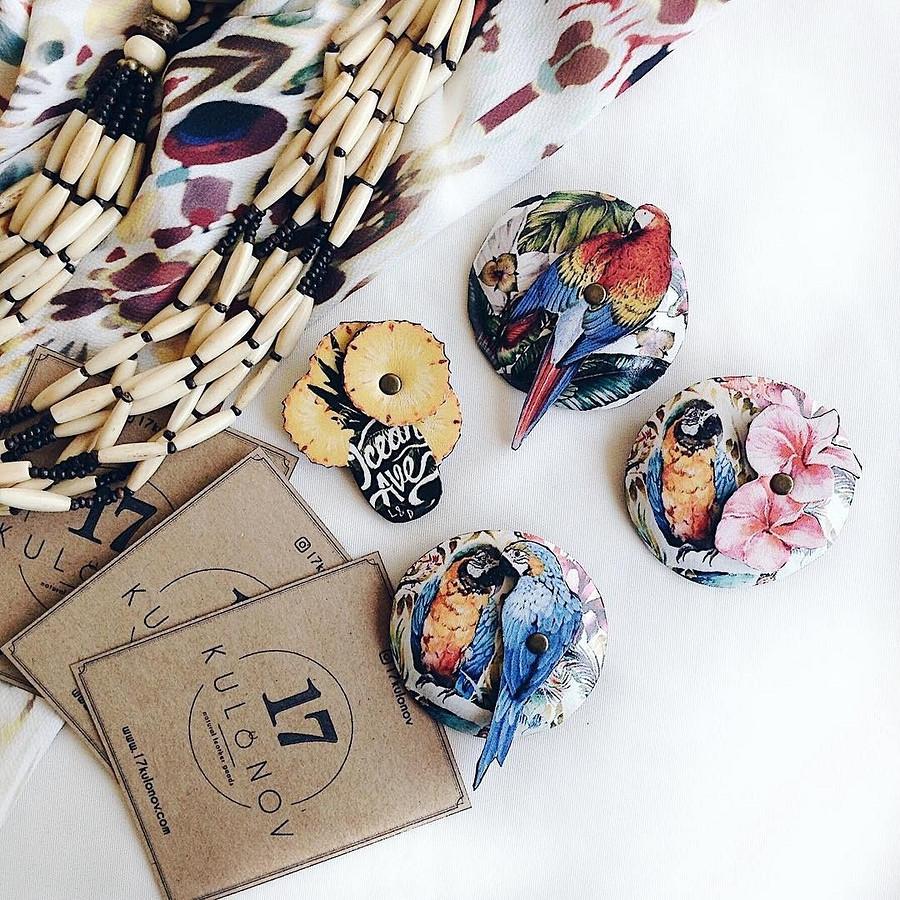 Кожаные расписные броши оттандема дизайнера ихудожника: instagram недели