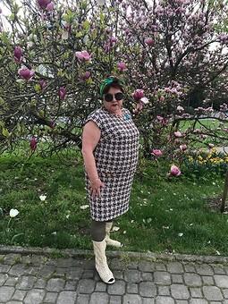 Работа с названием Платье в стиле Шанель для современной дамы