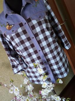 Работа с названием Рубашка с бабочками