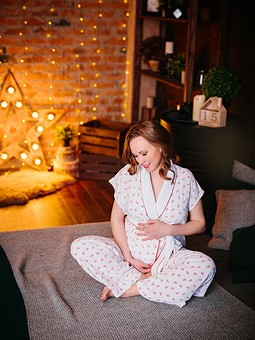 Работа с названием Домашний костюм-пижама