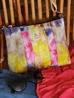 Работа с названием Новая жизнь старой сумки