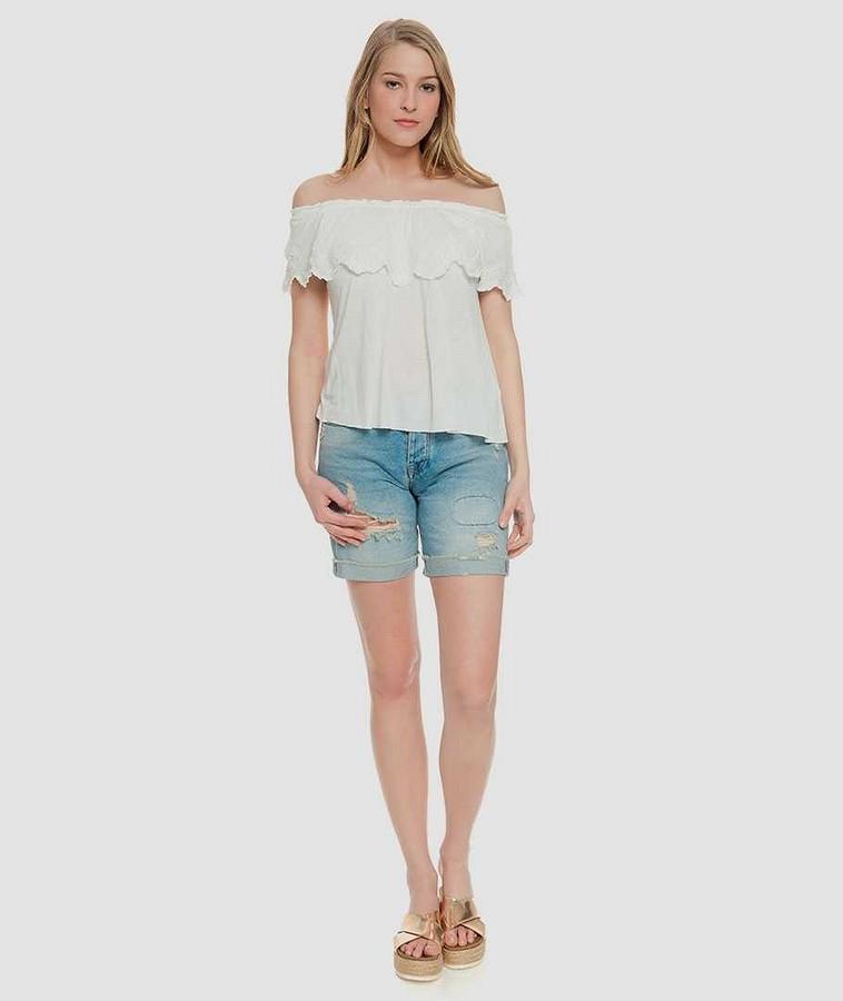 Платья, блузки итопы соткрытыми плечами: 4 варианта длялюбого случая