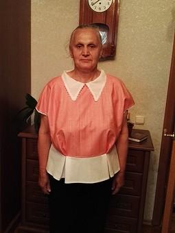 Работа с названием Блуза с баской для мамы
