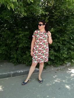 Работа с названием Льняное платье прямого силуэта