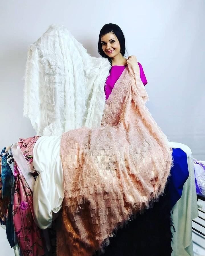 Платье-терапия отшвеи, сшившей 10 000 платьев: youtube-канал недели