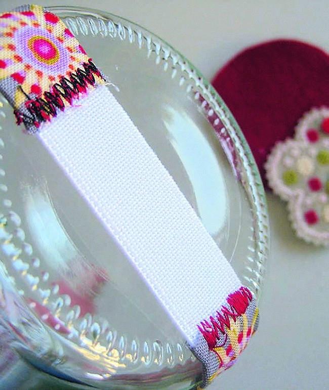 Как декорировать вышивкой банку дляхранения пуговиц
