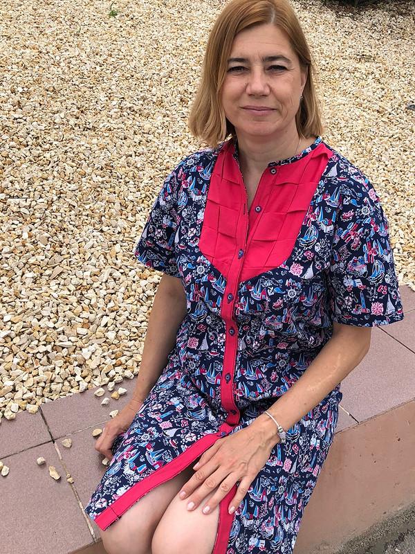Платье сплетенным пластроном