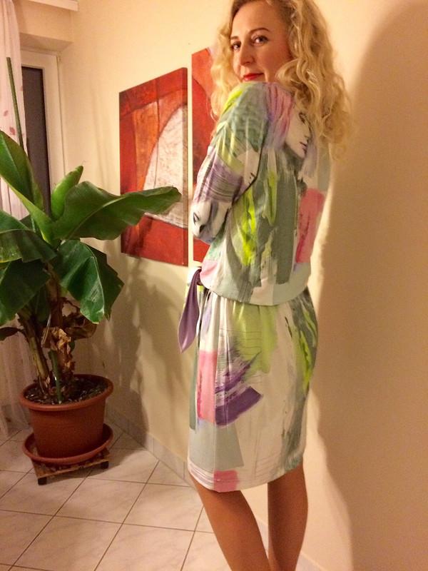 Трикотажное платье скушаком от eugenia75
