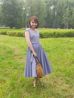 Работа с названием Атмосферное платье
