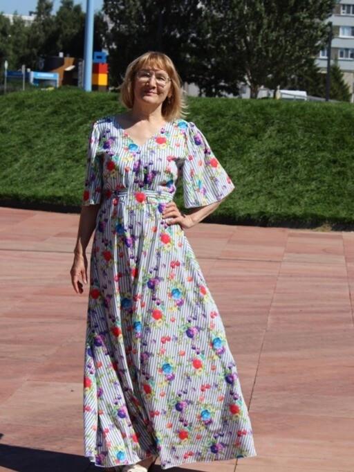 Два платья поодной замечательной выкройке