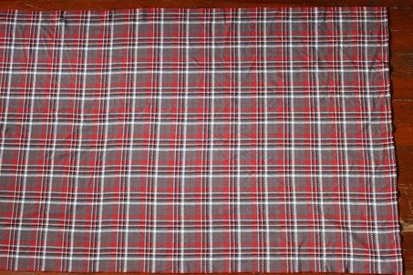 Как сшить шерстяной шарф изткани вклетку своими руками