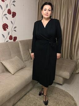 Работа с названием Немаленькое чёрное платье )))