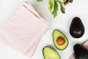 Как покрасить ткань с помощью авокадо в нежнейший розовый цвет