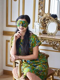 Работа с названием Платье на новый год с маской