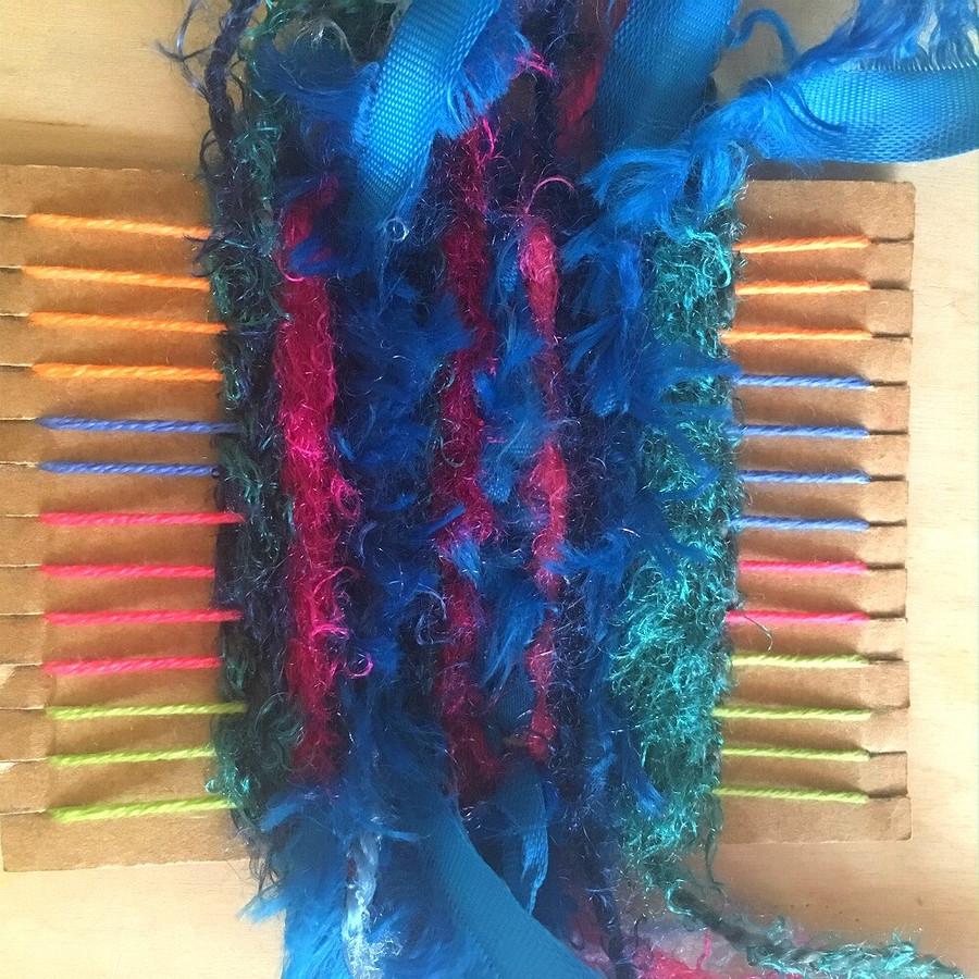 Необычная плетёная брошь: мастер-класс