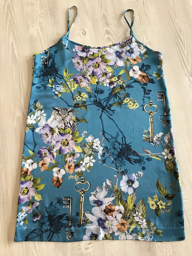 Шёлковая переделка: как перешить платье вночную сорочку