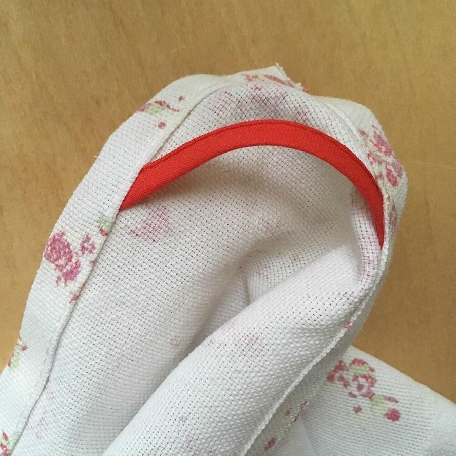 Идея: петелька вуголке длякухонного полотенца