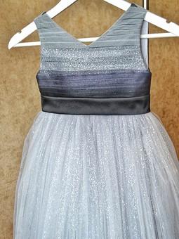 Работа с названием Детское платье с горизонтальной драпировкой