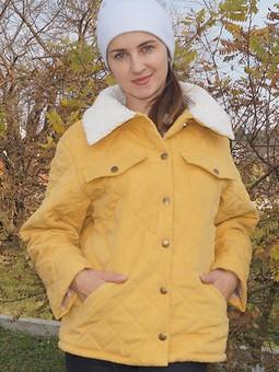 Работа с названием Куртка из готовой стежки с меховым воротником