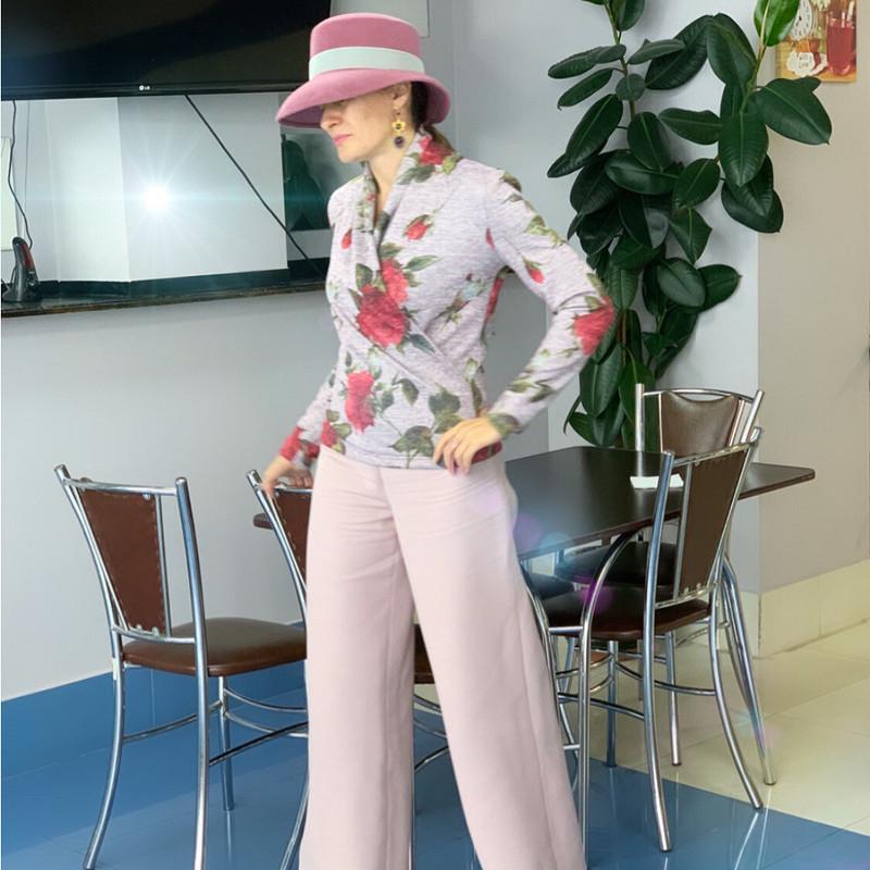 Блуза срозами