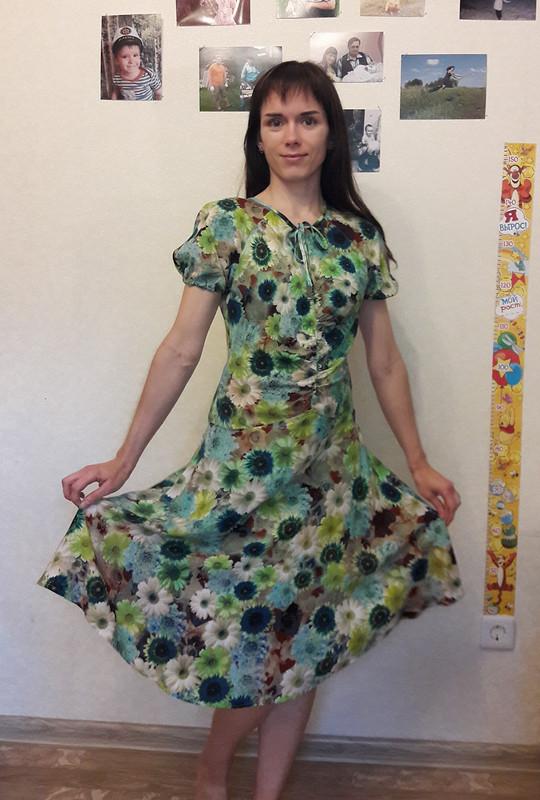 Платье срукавами-фонариками от Ежиха